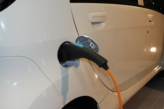 В Москве появятся первые в России заправки для электромобилей