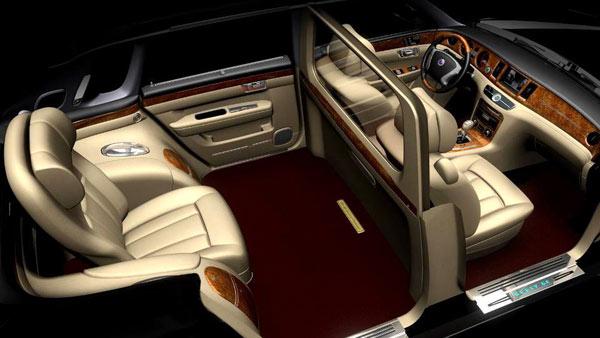 Королевские покои отделены стеклянной перегородкой, как в классическом лимузине.