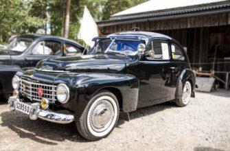 Ретро-автомобили Volvo посетили Россию