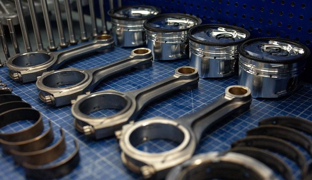 Облегченные поршни и кольца — кованые цельные детали с высокой прочностью