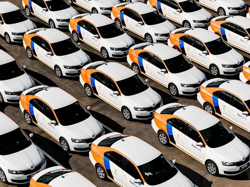 Автопарк каршеринга от Яндекс включает более 16 тыс. машин