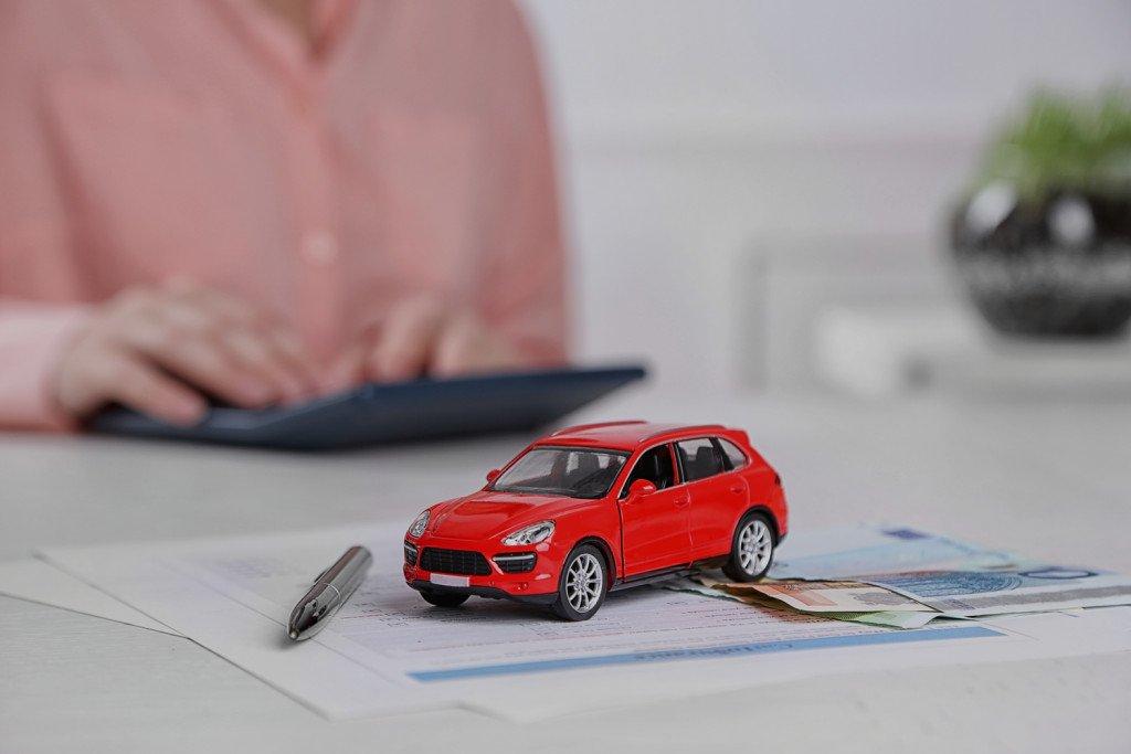 На конечную стоимость страховки по КАСКО конечно же влияет возраст автомобиля и его остаточная стоимость
