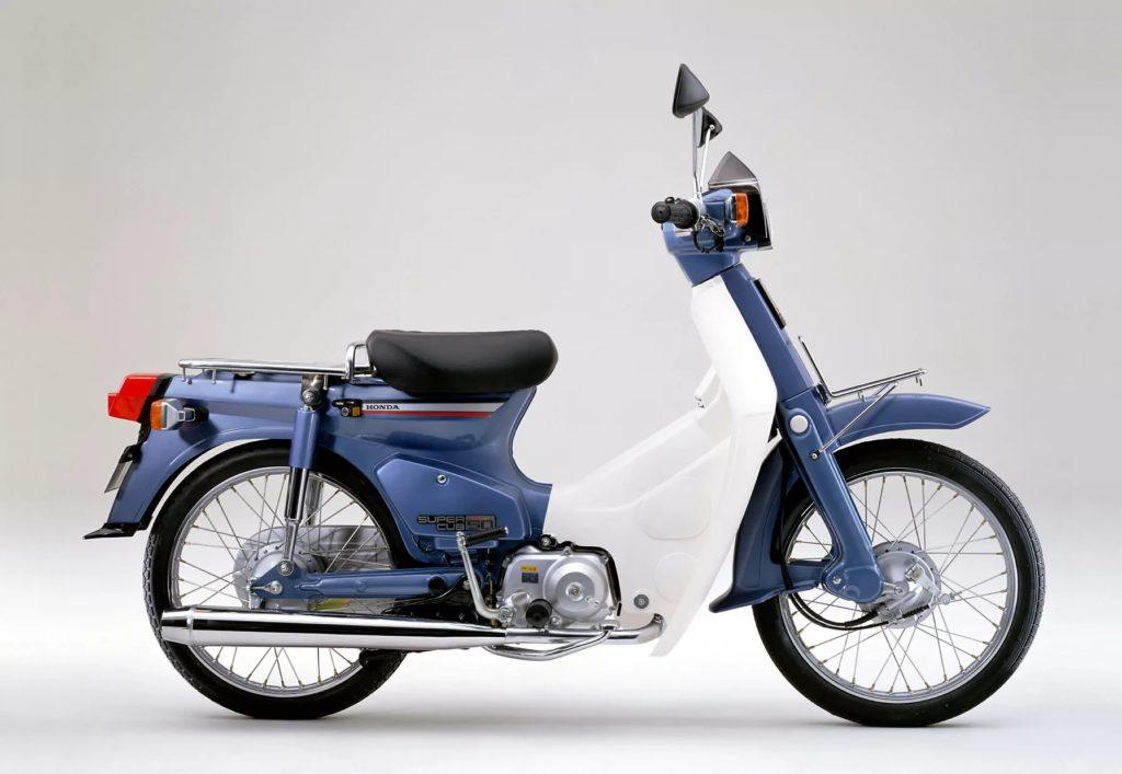 Всего за 10 лет японцы пришли к созданию самого массового в истории моторного средства передвижения — Honda Super Cub