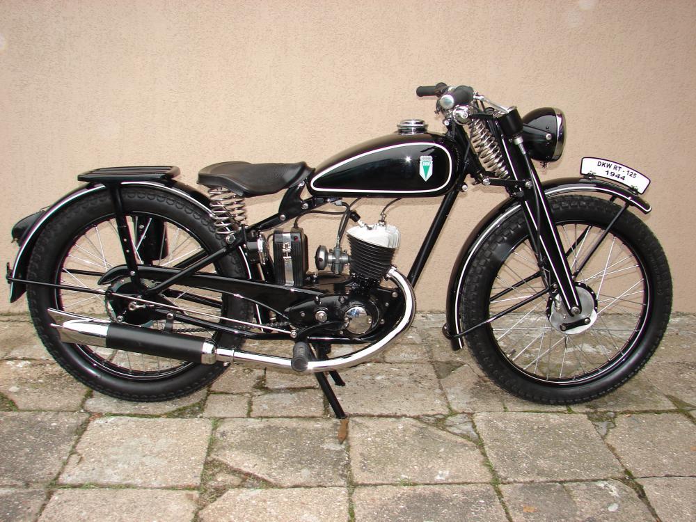 В 1938 году компания DKW выпустила в массовое производство модель мотоцикла RT125