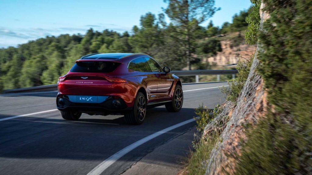 Компания Aston Martin начала выпуск первого в своей истории полноприводного кроссовера  DBX