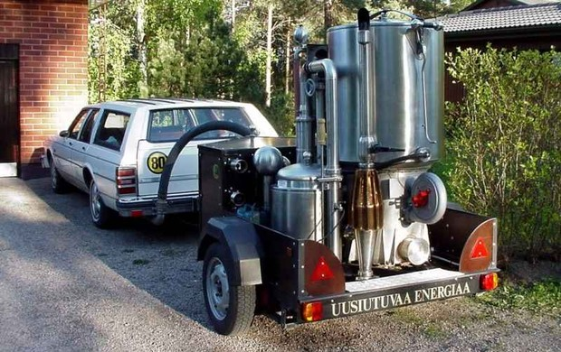 Машина с газогенератором