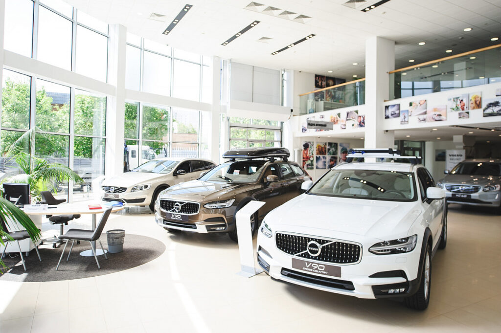 Производитель выплачивает бонусы за объем продаж конкретного дилера и бонусы за продажи каждого авто
