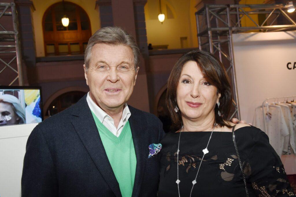 Лев Валерьянович с супругой – Ириной Лещенко