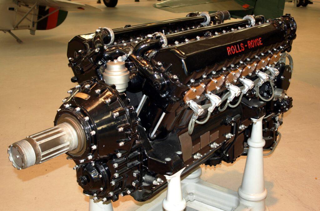 Самолетный двигатель Rolls-Royce