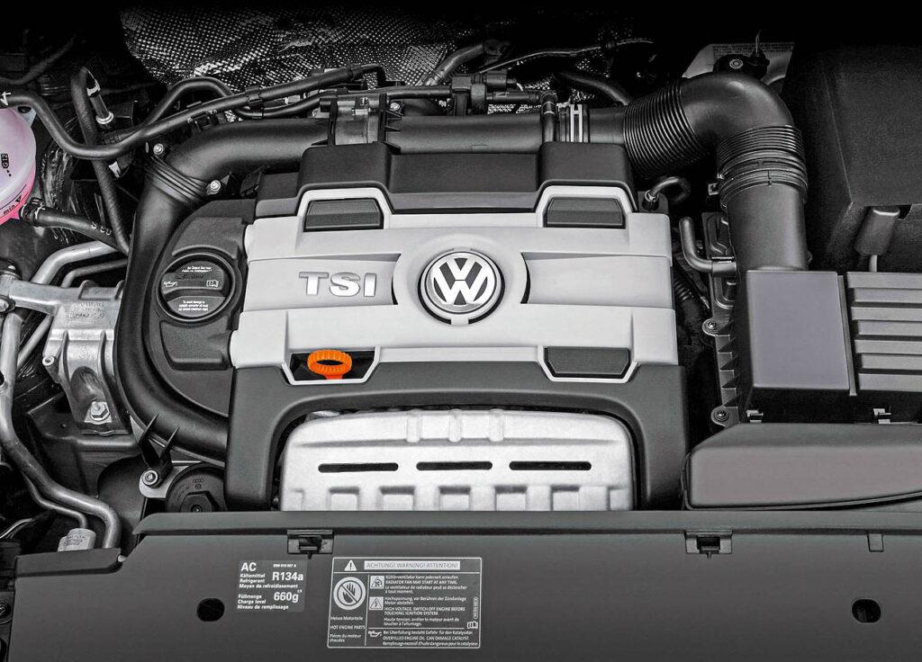 Моторный отсек Volkswagen Tiguan