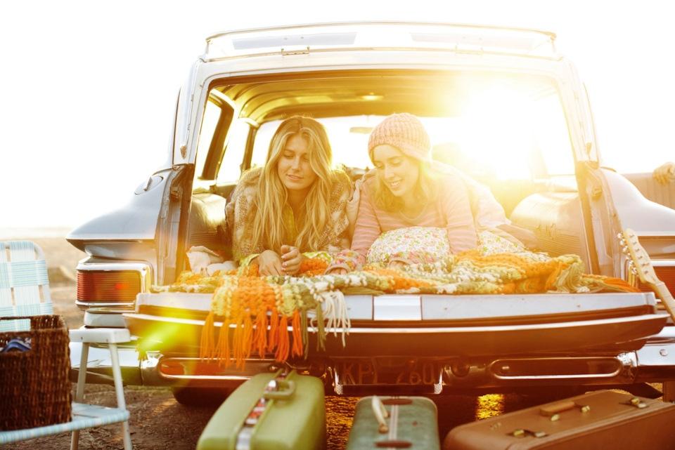 Атмосфера путешествия на автомобиле в 60-х