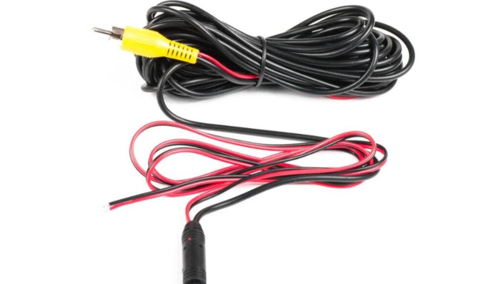Провода подключения входят в комплект