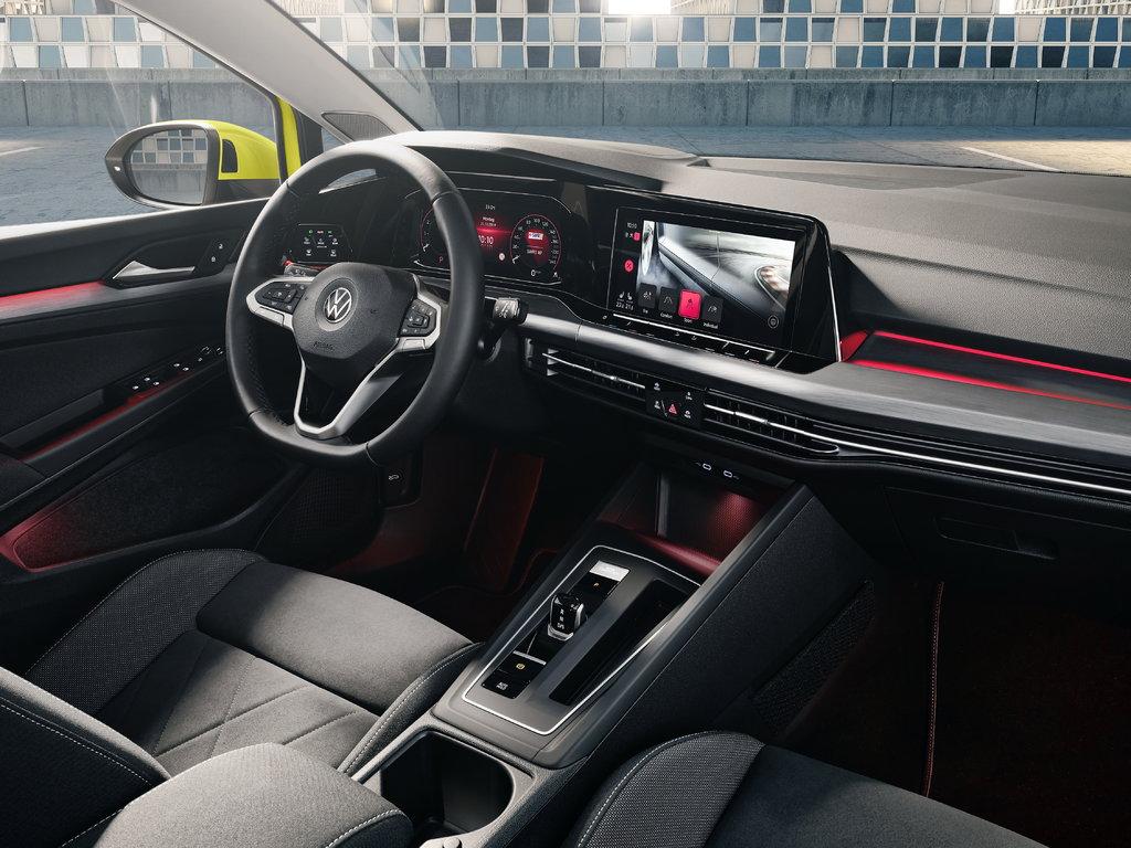 Салон Volkswagen Golf VIII