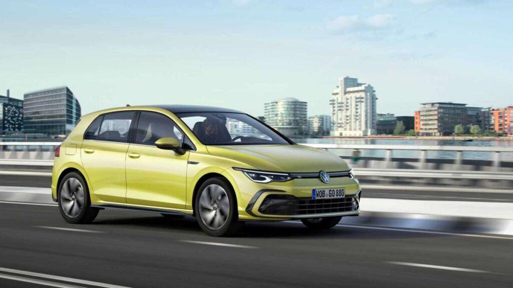 Volkswagen Golf VIII в движении