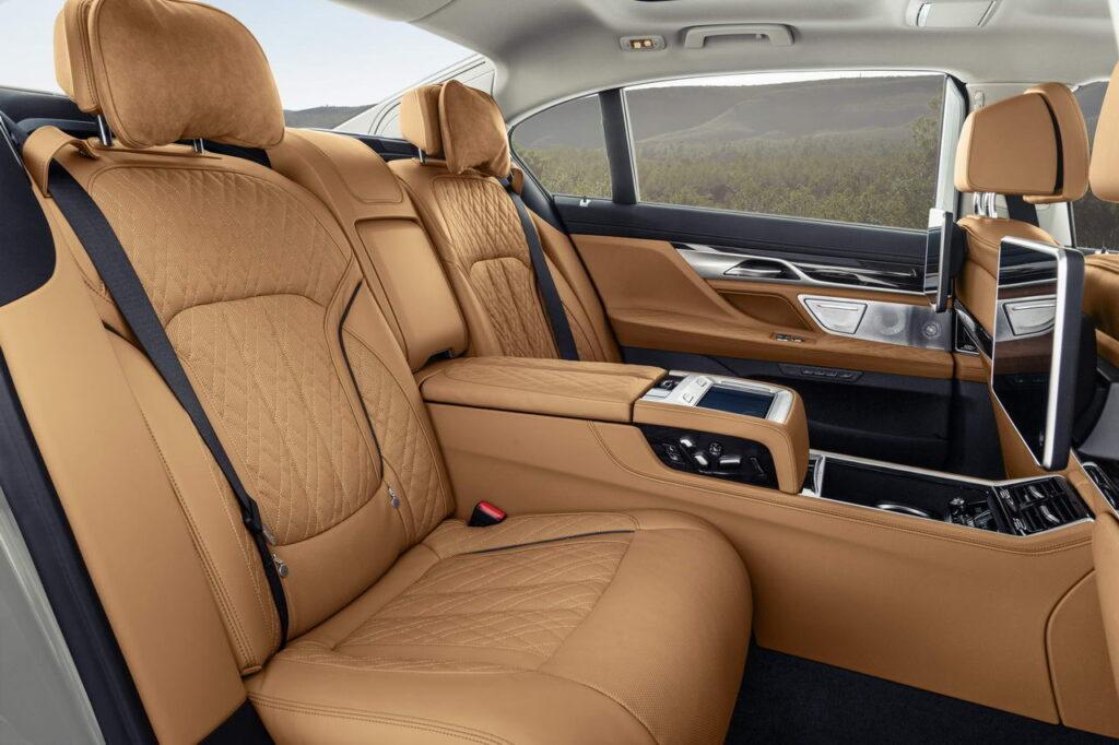 Второй ряд BMW 7