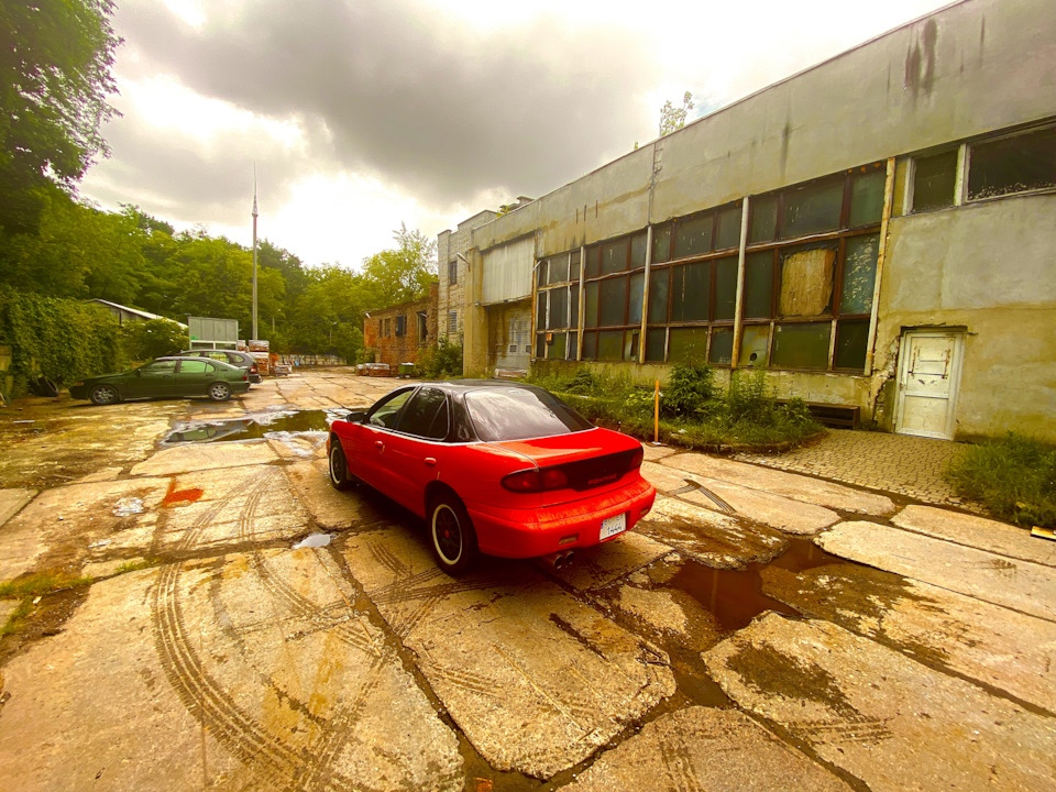 Pontiac Sunfire - аутентичная атмосфера