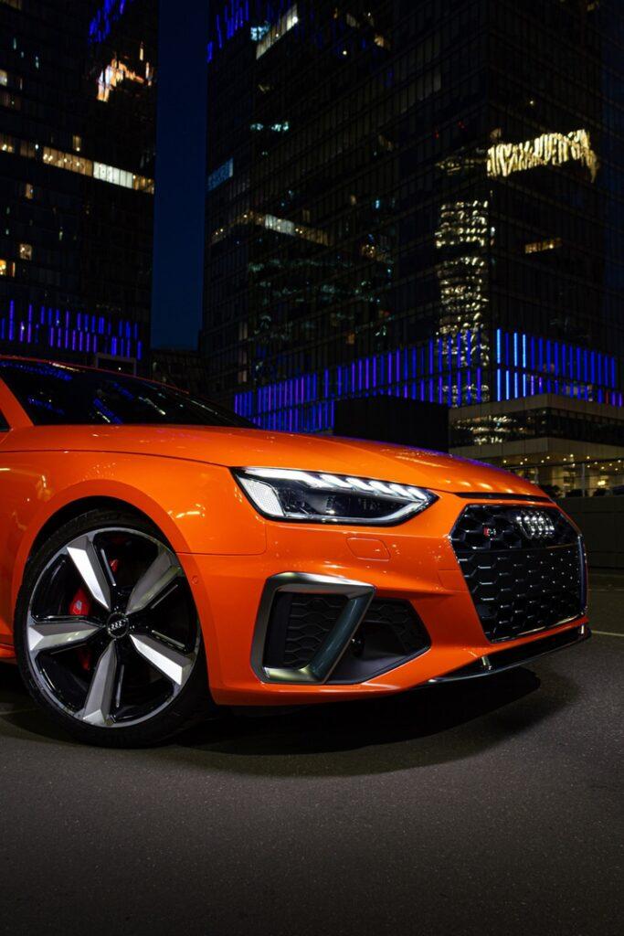 Ночь, улица, фонарь... и прекраснейшая Audi