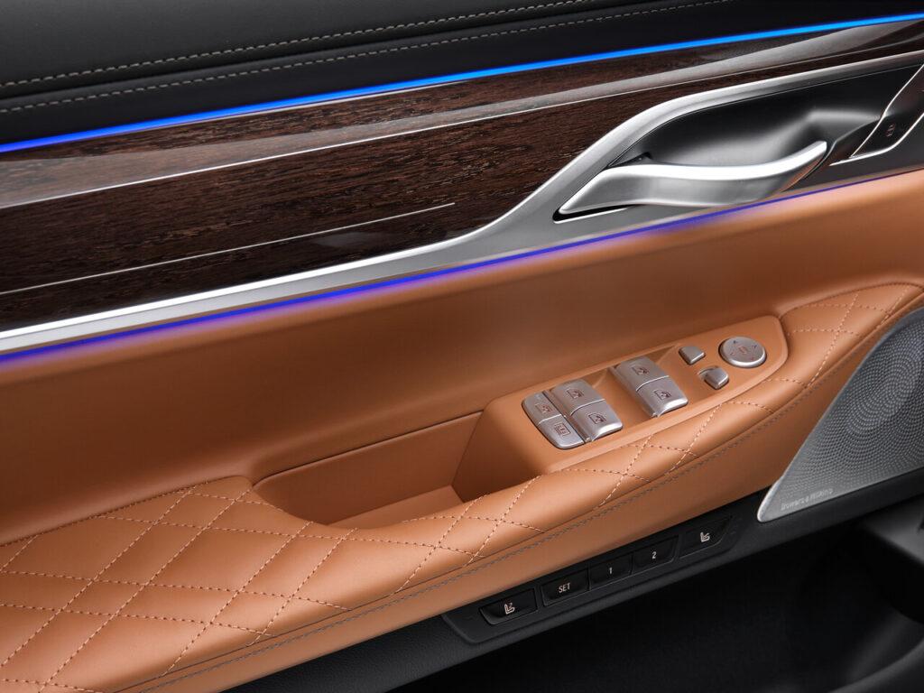 Детали салона BMW 7