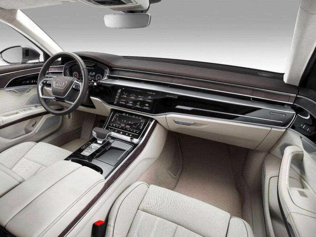 Интерьер Audi A8