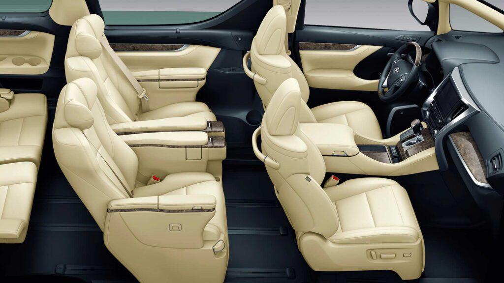 Компоновка салона Toyota Alphard