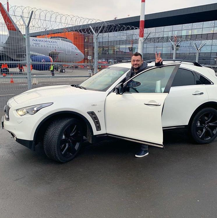 Сергей Жуков и его InfinitiQX70