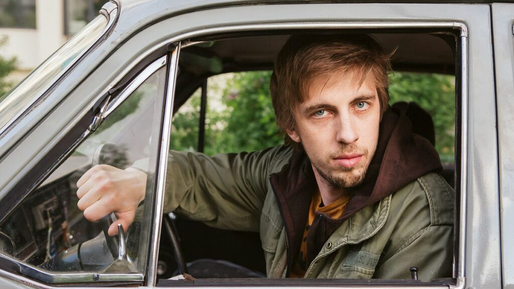 Александр Паль за рулем