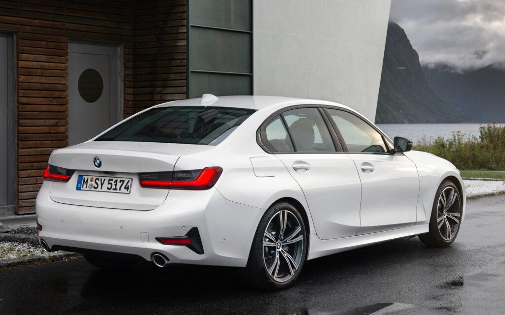 BMW 3-серии, вид сзади