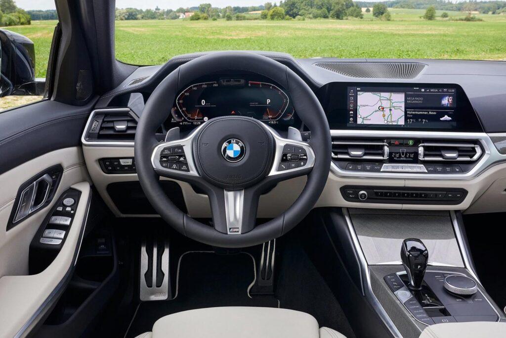 Салон BMW 3-серии