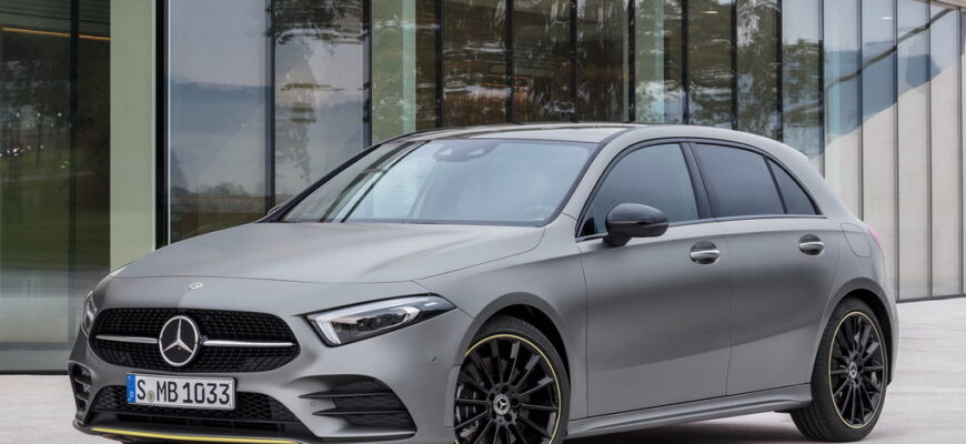 "Mercedes-Benz A-class: младший, но все еще премиальный ""мерс"""