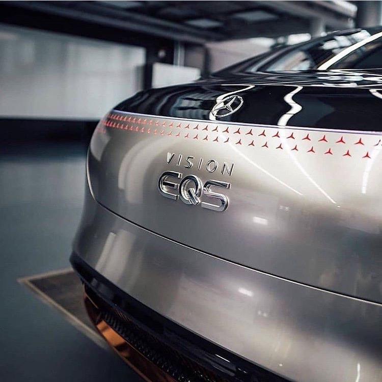Mercedes-Benz EQS: будущее ближе чем кажется