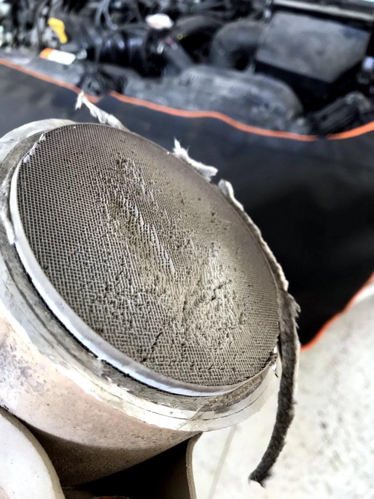 Пример разрушенного катализатора с Kia Ceed