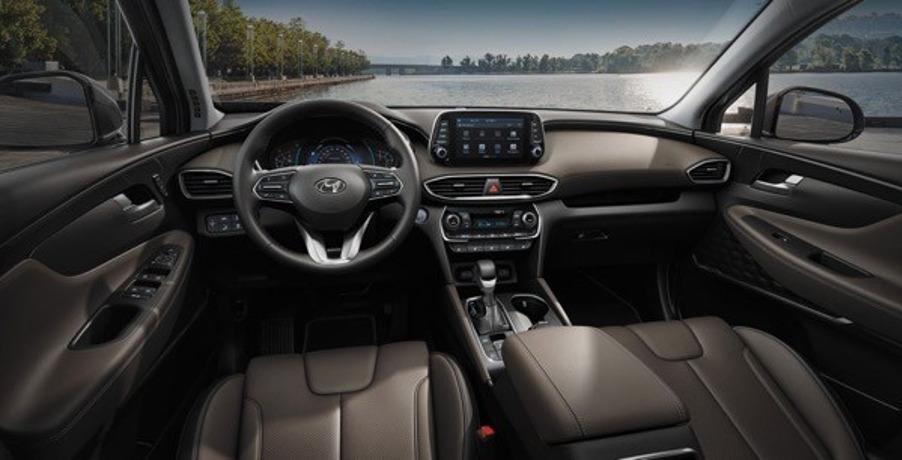 Интерьер Hyundai Santa Fe 2020