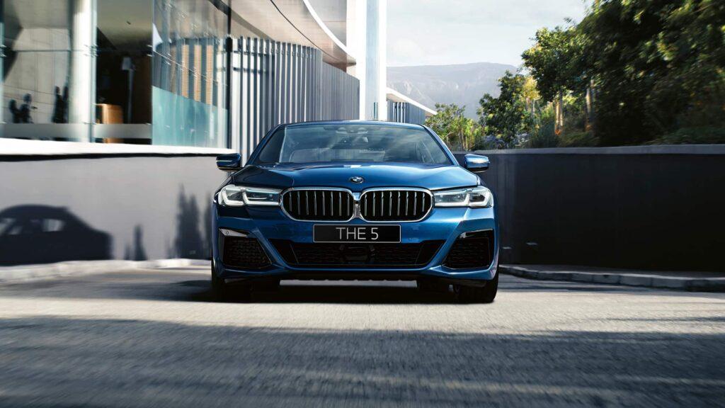 BMW 5-series седан, вид спереди