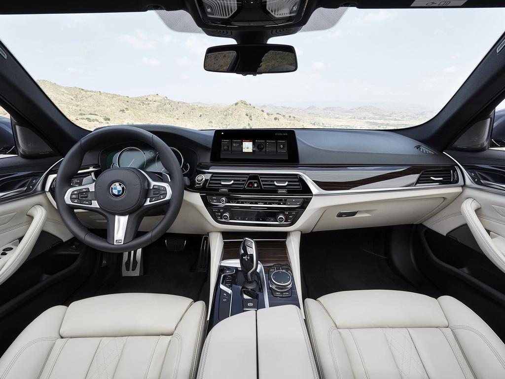 Салон BMW 5-series