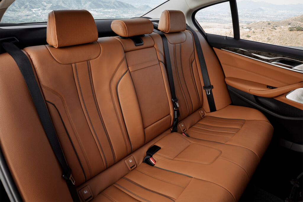 Второй ряд сидений BMW 5-series