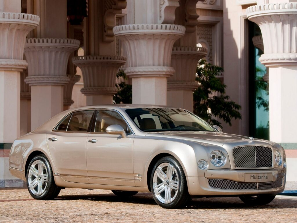Премиальный бренд Bentley тоже несколько раз мог быть продан, но теперь же стало известно, что весной следующего года компания официально станет подконтрольна немецкой Audi