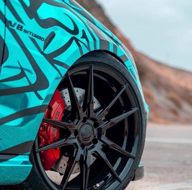 Mercedes-Benz Е63 AMG - яркий кузов для яркого авто