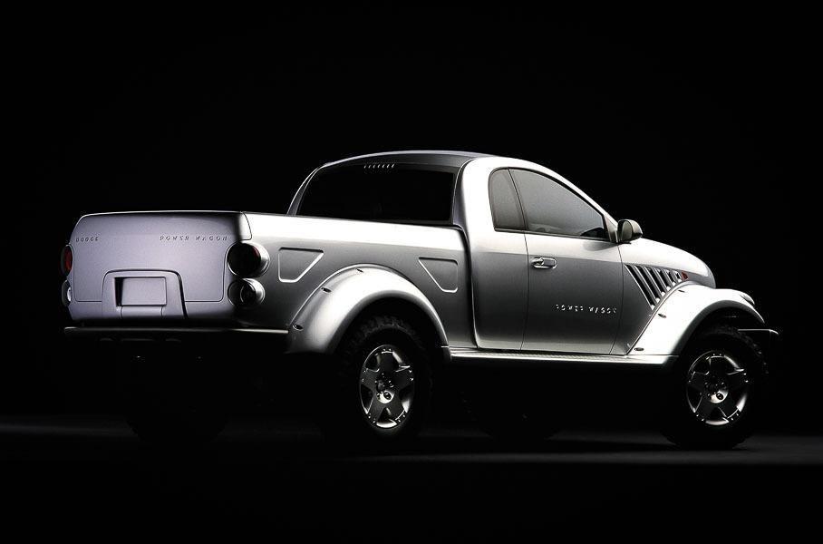 Dodge Power Wagon, вид сзади