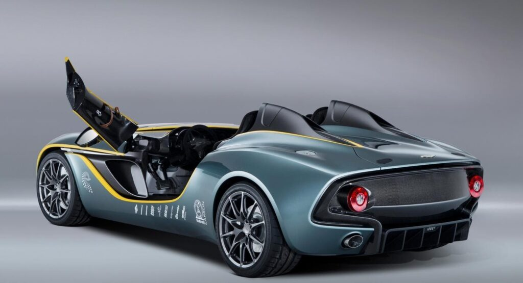 Aston Martin CC100, вид сзади
