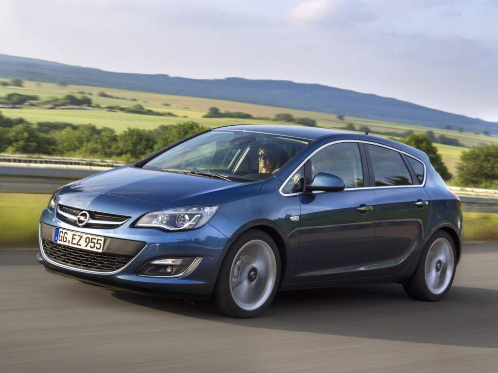 Сколько стоит Opel Astra J в хорошем состоянии в 2020 году?