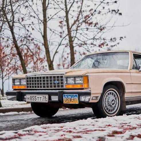 Ford LTD Crown Victoria - питерский американец