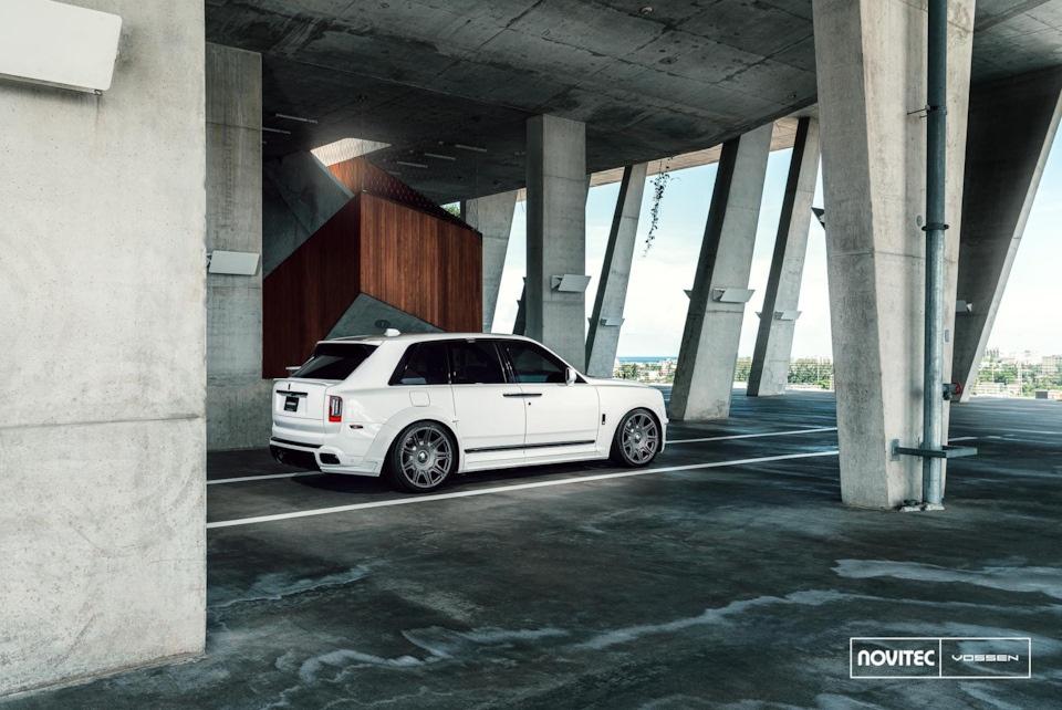 Rolls-Royce Cullinan - флагман внедорожного класса?