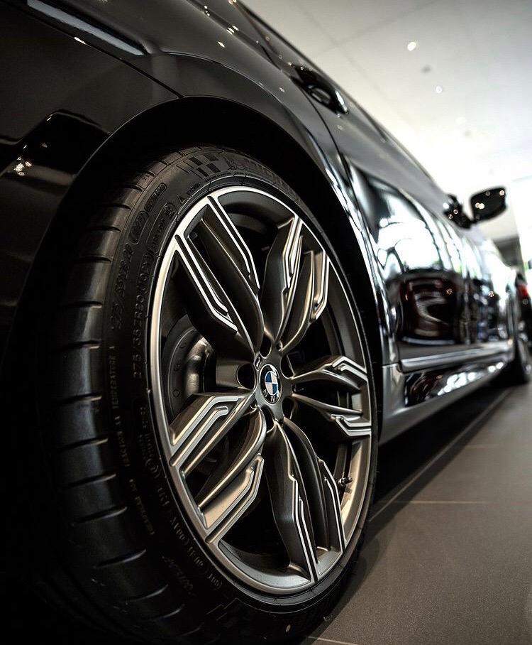 BMW 7-series: баварец на максималках