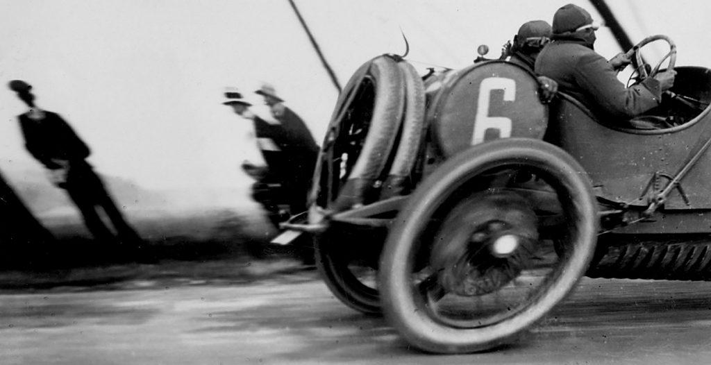 Автофакты: раньше колеса для авто были овальными?