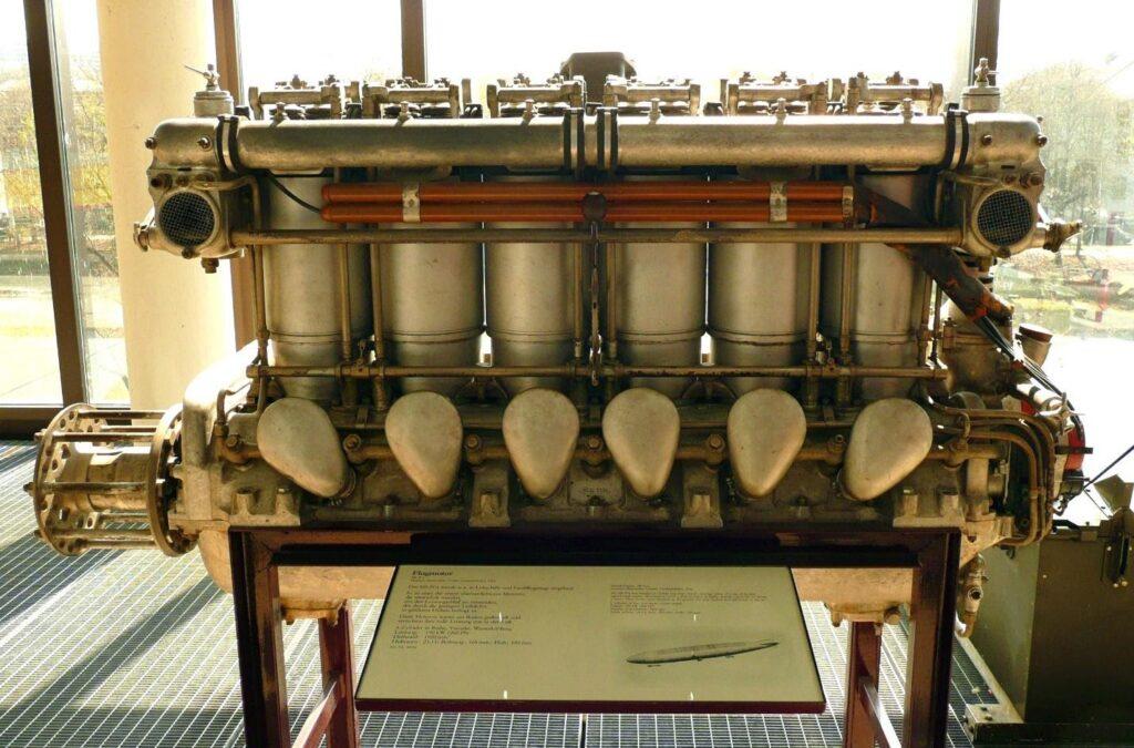 Авиационный двигатель Maybach