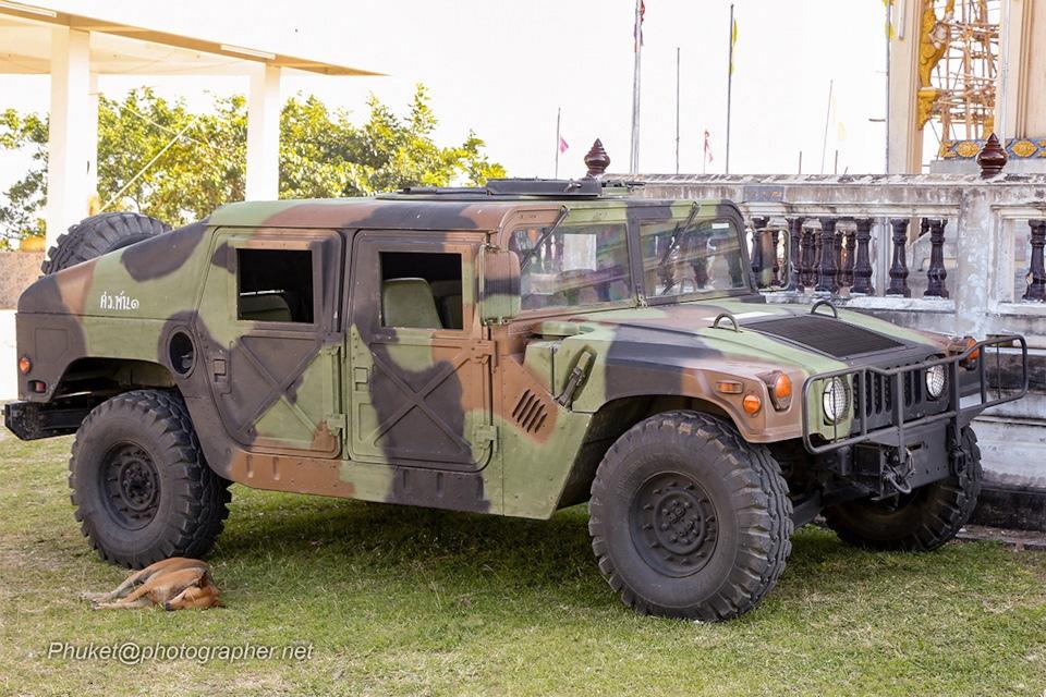 Hummer в Тайланде - признак автомобильного богатства