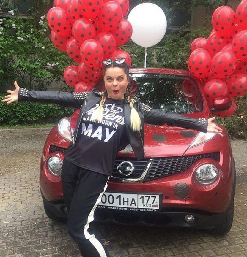Наташа Королева со своим Nissan Juke
