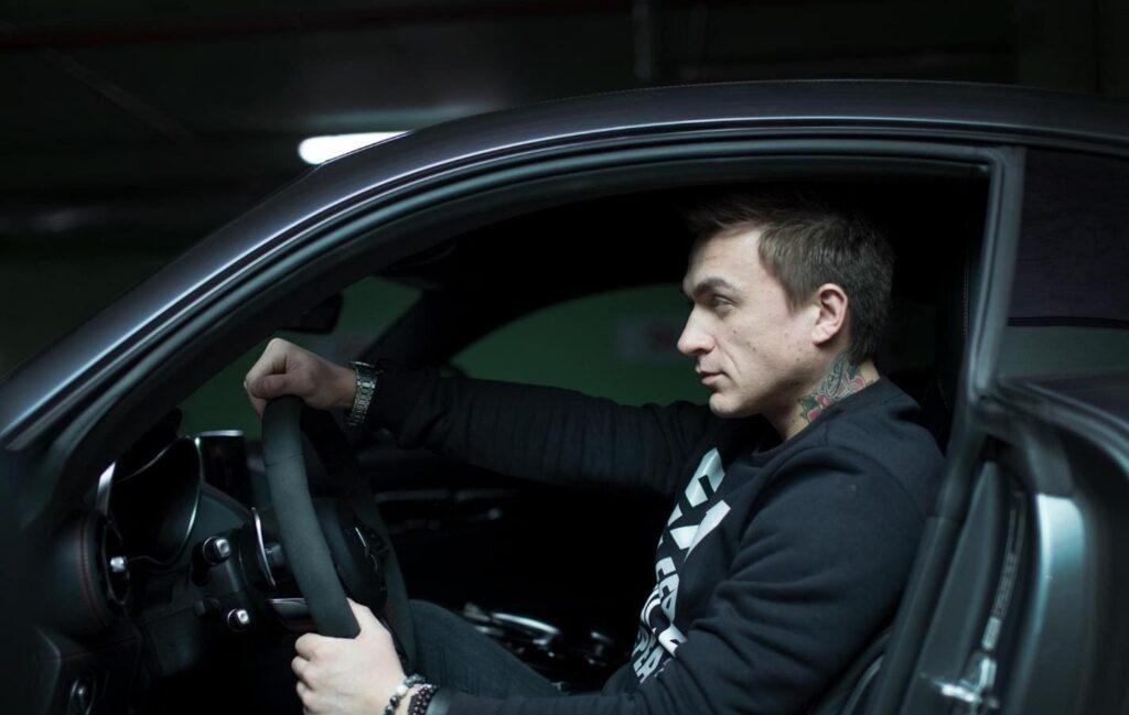 Влад Топалов за рулем
