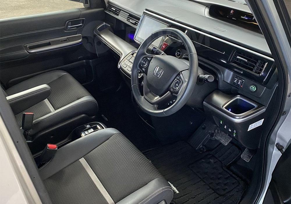 Один из самых технологичных авто даже на сегодня - Honda Stepwgn