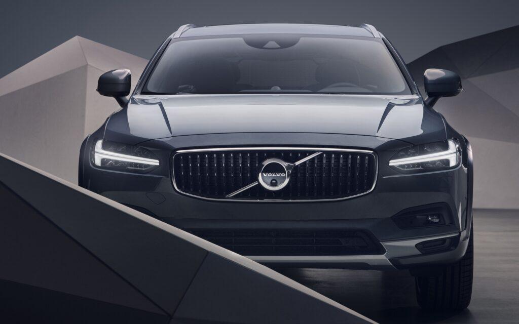 Возможности Volvo v90